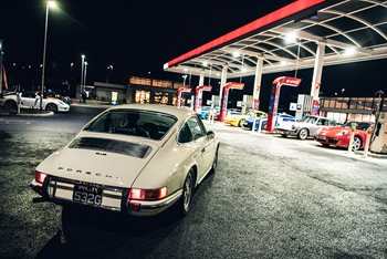 Keep your classic Porsche running with Esso