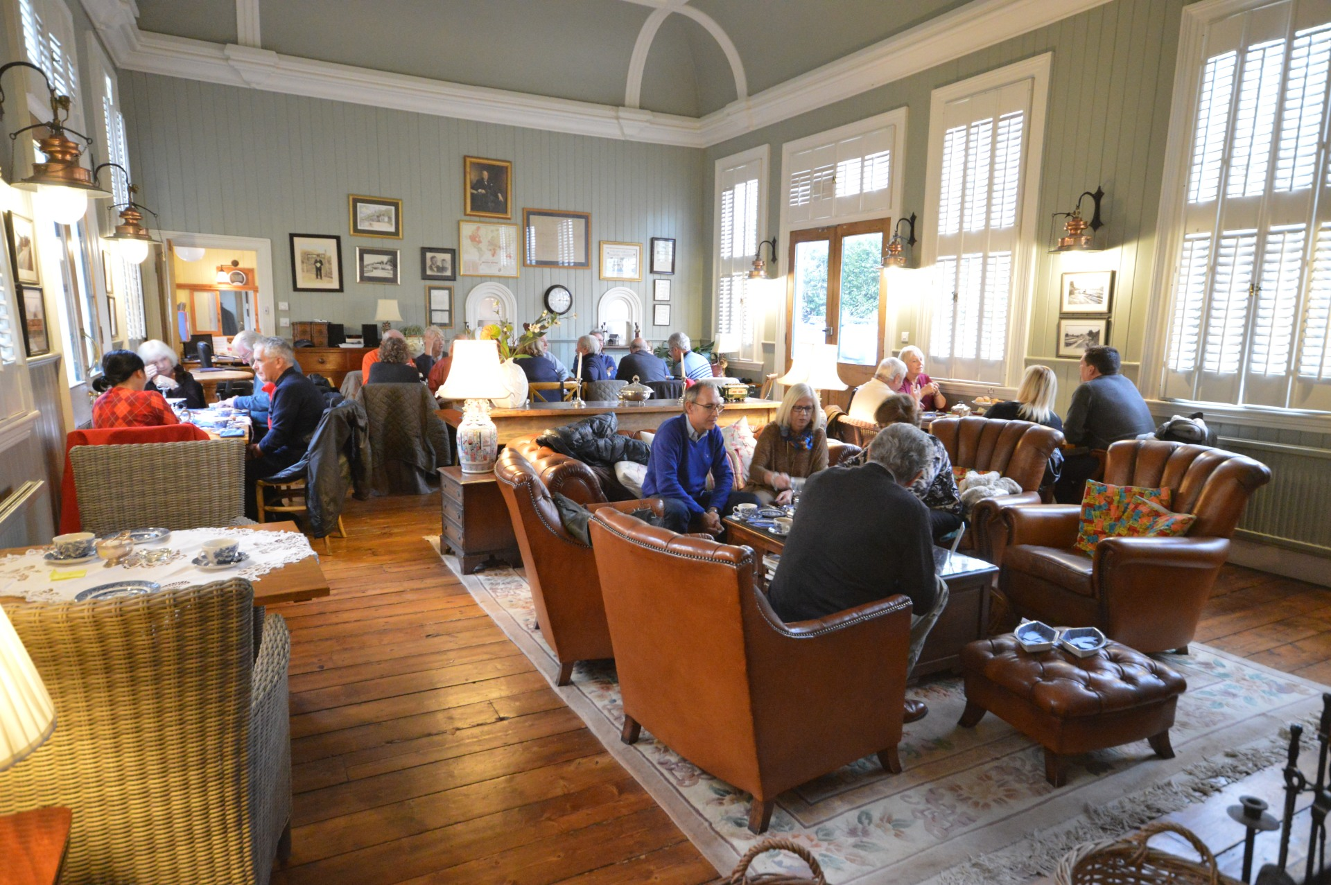 R29 2016-11-20 Cream Tea at The Old Railway Station, Petworth