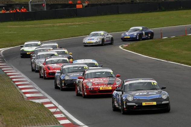 Bumper Grid for Porsches at Snetterton